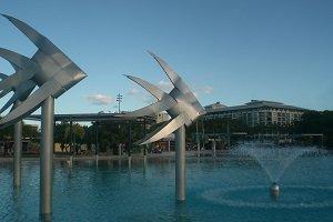 Die künstliche Lagune vob Cairns ist ein beliebter Hotspot bei Einheimischen und Touristen.