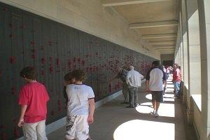 Beim Australian War Memorial kann man den vielen, gefallenen Soldaten der australischen Armee gedenken.