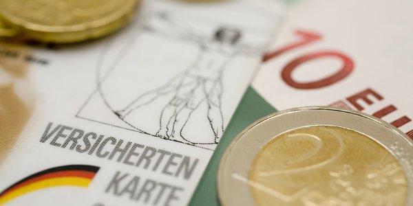 Was passiert bei einem Auslandsauafenthalt mit der Krankenversicherung in Deutschland?
