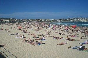 Der berühmte Bondi Beach ist gerade in den Sommermonaten sehr überlaufen.