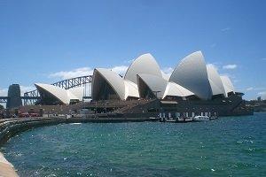 Das Opera House in Sydney ist nicht nur das Wahrzeichen der Stadt, sondern auch von ganz Australien.
